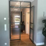 Stahl-Loft-Tür einseitig geöffnet