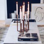 Marmortisch mit Kerzenhalter