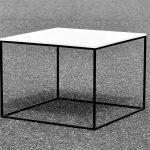Q10 Tisch mit weißer Platte